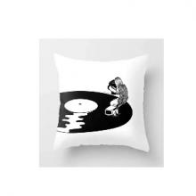 כרית מהממת בהדפס תקליט ויניל ברקע לבן רטרו